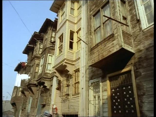 827340443-maison-en-bois-construction-en-bois-istanbul-turquie-asie2