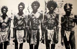 Aborigènes enchainés