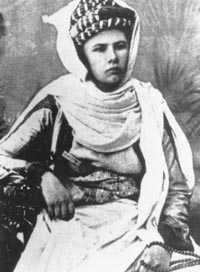 Isabelle_Eberhardt_in_Arab_dress[1]